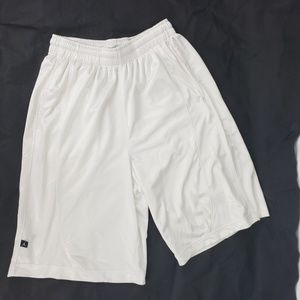 Jordan Men's Basketball Shorts White M 30-34 w